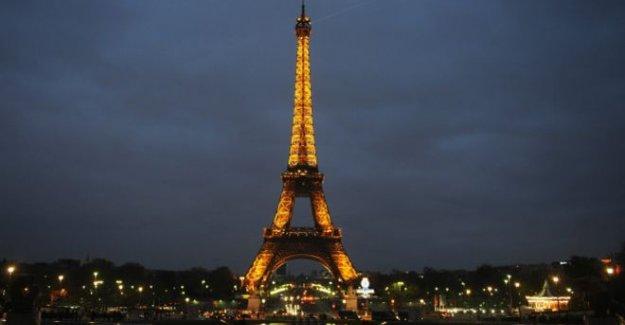 Eyfel Kulesi Euro 2016 İçin Otel Oluyor !
