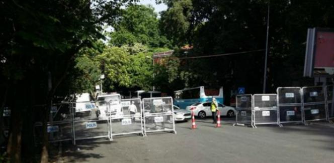 Gezi yıldönümünde Mimarlar Odası'na polis baskını