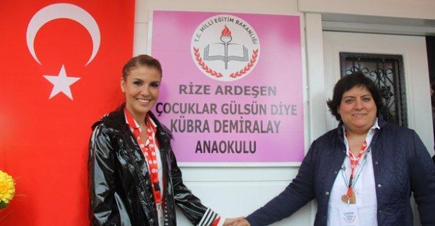 Gülben Ergen 34. okulunu açtı