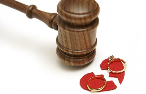 Hakim, 3 bin sayfalık boşanma davasını görünce tayinini istedi