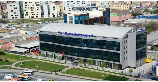 Haliç Üniversitesi yönetimi görevden alındı
