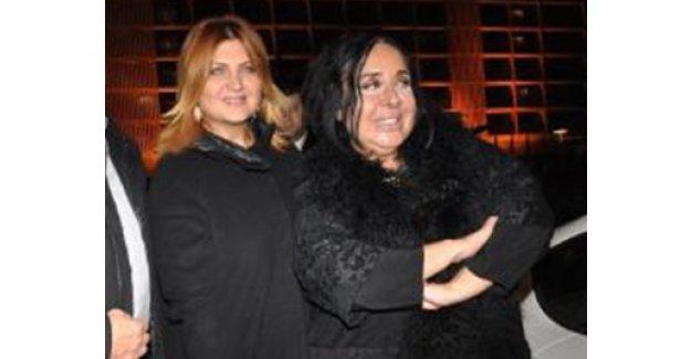 İki ünlü isim Oya Aydoğan'a hastane ziyareti sırasında barıştı