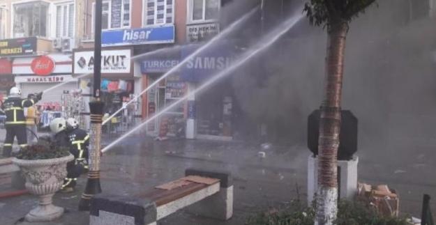 İstanbul Ümraniye'de Panik Yaratan Yangın