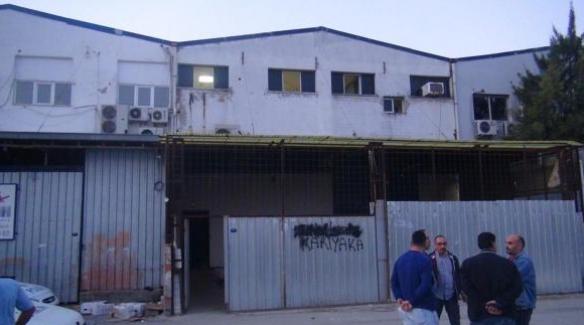 İzmir'de kumarhane olarak kullanılan depoda silahlı kavga, 1 ölü, 2 yaralı