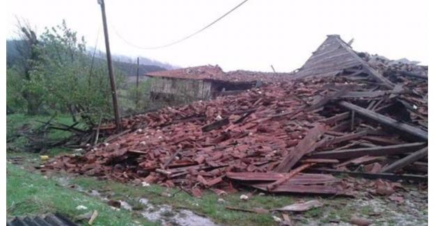 Kastamonu'da Hortum Evleri Yıkıp Geçti