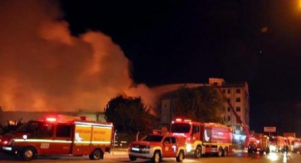 Kayseri'de 3 fabrika deposunda yangın çıktı