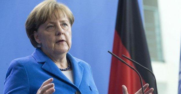 Merkel'den Türkiye'ye övgü dolu sözler
