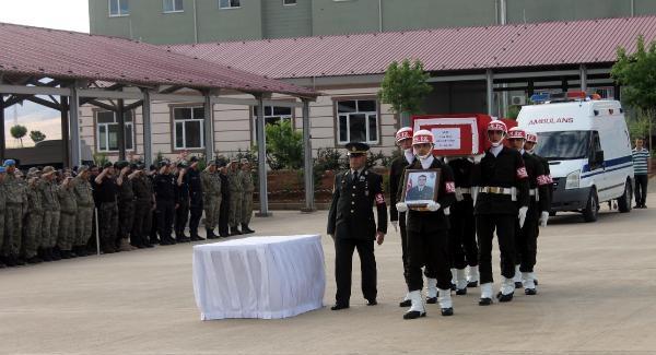 Nusaybin'de PKK ateşi; 1 asker şehit
