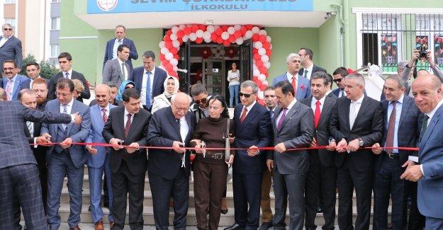 Sevim Çuhadaroğlu İlkokulu ve Orta Okulu görkemli bir törenle açıldı.