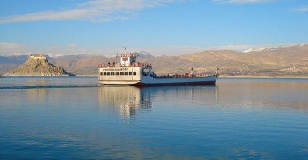 Tunceli'de bomba ihbarı, feribot seferleri durduruldu