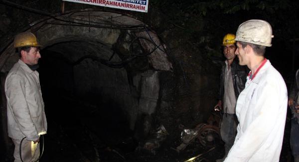 Ücretlerini Alamayan Madenciler Ocaktan Çıkmama Eylemi Başlattı
