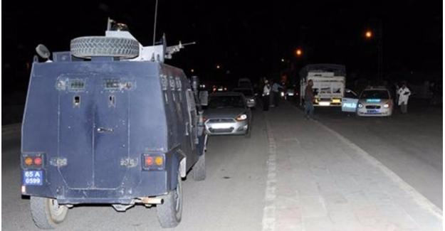 Van'da polis aracına hain tuzak!