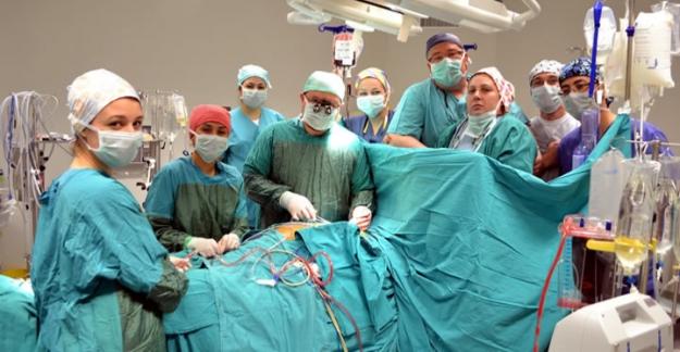 Yüksek riskli kalp hastalarına amelıyatsız yöntem: TAVİ