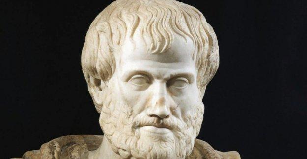 Yunan arkeolog Aristoteles'in mezarını açıkladı