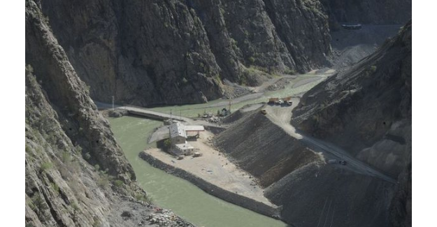 Yusufeli barajının yarısı bitti
