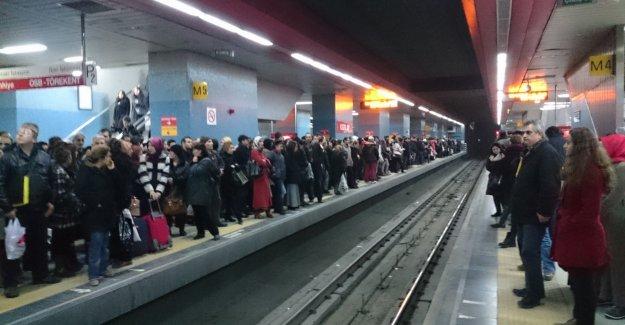 Ankara metrosu haremlik selamlık mı olacak? Melih Gökçek anket düzenledi