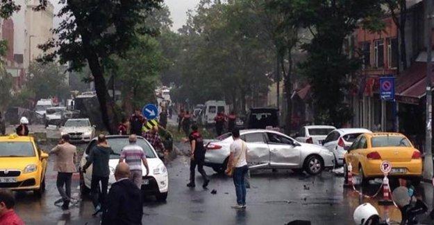 Büyükelçiler Vezneciler saldırısını Twitter'dan Türkçe kınadı
