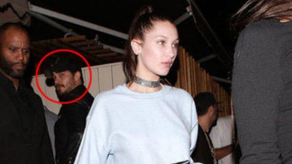 Çağatay Ulusoy ABD'li manken Bella Hadid ile aynı karede!