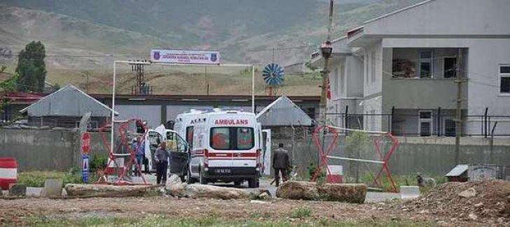 Camide namaz kılan cemaat PKK tarafından rehin alındı!