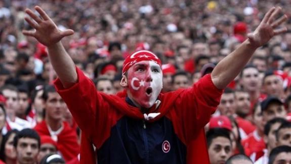 Fransa'da Türkler neo-nazilerin hedefinde olacak