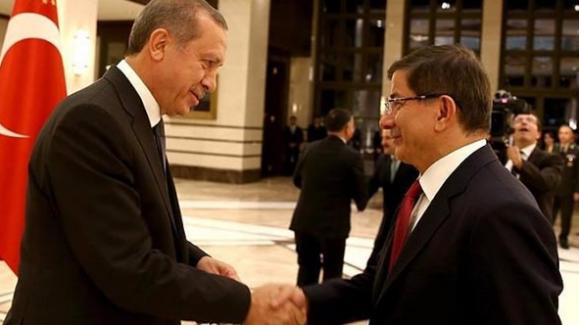 Fuatavni, 'Davutoğlu günah keçisi ilan edildi'