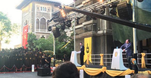 İstanbul Erkek Lisesi'nin müdürüne şok protesto