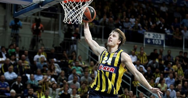 Jan Vesely 2 yıl daha Fenerbahçe'de
