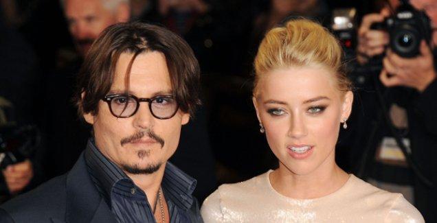 Johnny Depp'in karısı daha önce eşcinsel evliliği yapmış