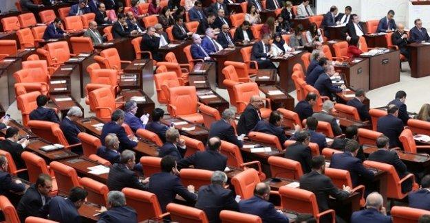 Mecliste yine kavga