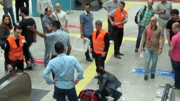 Metrolarda bomba alarmı!