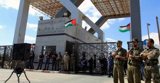 Mısır Gazze'ye geçişi geçici süreliğine açtı
