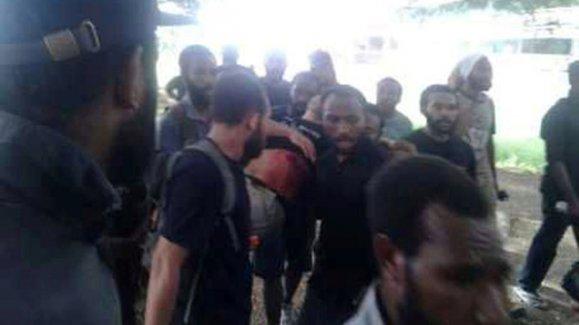 Polis öğrencilere ateş açtı 4 ölü