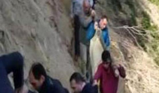 Rize'de cenazelerin zorlu yolculuğu