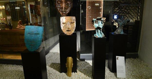 'Şifreli hikayeler' sergisi addresistanbul'da sanatseverlerle buluştu