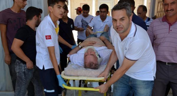 Adana'da cuma namazında 'canlı bomba' paniği