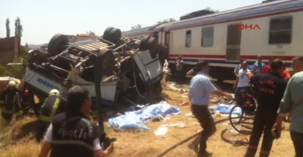 Alaşehir'de tren faciası: Ölü ve yaralılar var!
