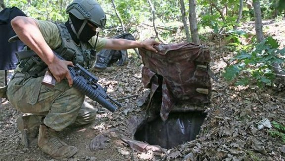 Diyarbakır'da 4 odalı 250 metrekare PKK sığınağı!