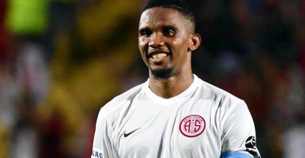 Samuel Eto'o, Beşiktaş için kamptan ayrıldı