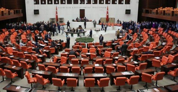 AK Parti, CHP ve MHP'den anayasa açıklaması