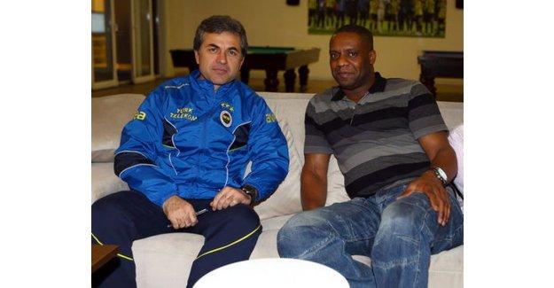 Fenerbahçe'nin eski yıldızı Dalian Atkinson yaşamını yitirdi