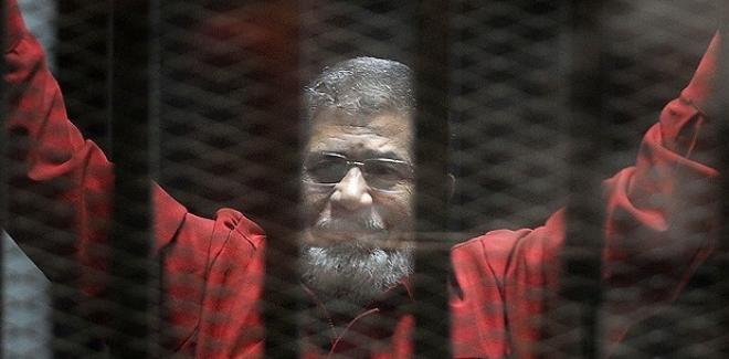 Seçilmiş ilk Cumhurbaşkanı Mursi'nin idam kararı bozuldu