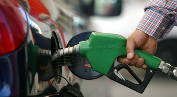 Benzine ve motorine zam! 2,5 yıl aradan sonra 5 lirayı aştı