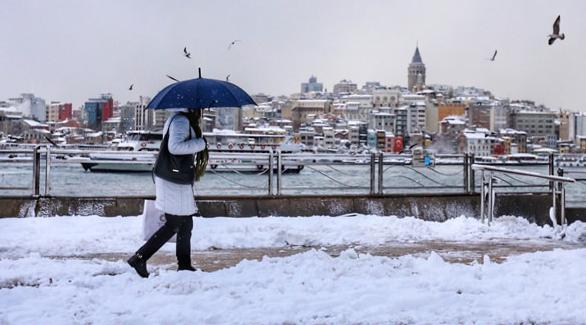İstanbul kara teslim, kar kalınlığı 40 santimi geçti!