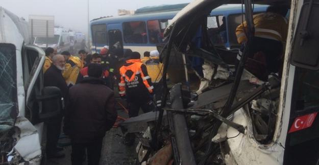 Konya'da akıl almaz kaza! 40 araç birbirine girdi