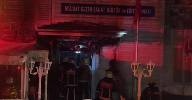 Müjdat Gezen Sanat Merkezi'ne saldırı düzenlendi
