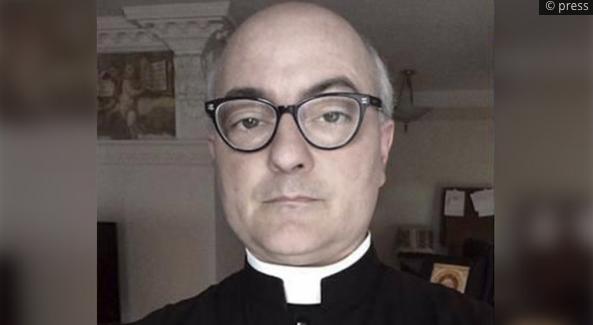 30 kız çocuğuna tecavüz eden AİDS'li papaz affedildi