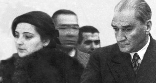 """Atatürk'e iğrenç iftira, """"Manevi kızı ile yattı"""""""