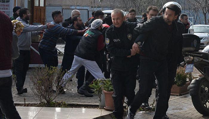 Adana'da hareketli saatler! Sivil polis pastanede yakaladı, ortalık birden karıştı