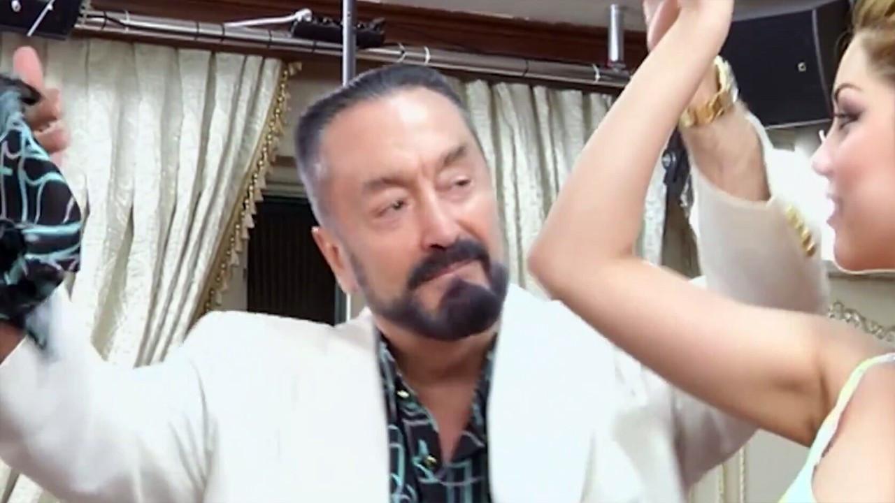 Adnan Oktar'ın villalarında 879 'kaçak' fosil!