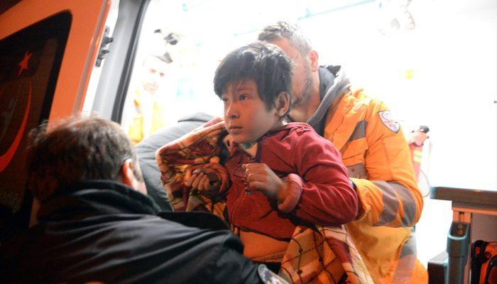 Afgan ailenin hayatını gazete dağıtıcısı kurtardı